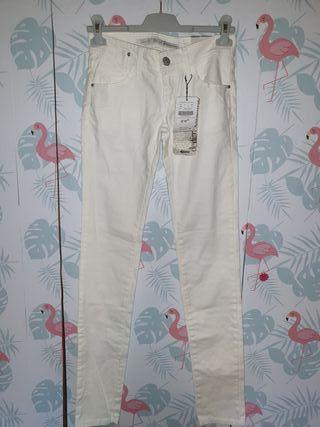 pantalon ajustado