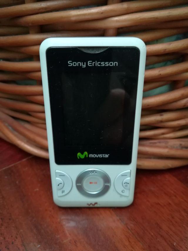 Sony Ericsson Walkman W205