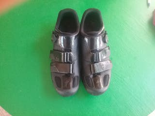 Zapatillas ciclismo carretera specialized.