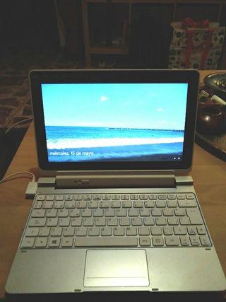 Tablet con teclado marca Acer Iconia