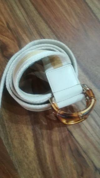 784839f15 Original con factura y bolsa · Cinturón de Gucci original