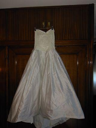 71a411947 Chaqueta de novia de segunda mano en Madrid en WALLAPOP