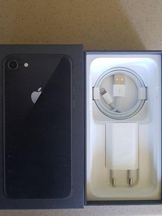 Cargador original iPhone 8