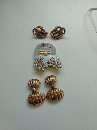 Pendientes chapados en oro