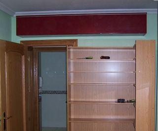 Mueble almacenaje tipo estantería balda con puerta