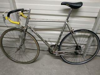 bici antigua para restaurar y/o convertir en fixie