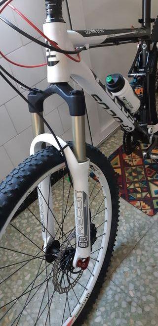 OPORTUNIDAD! Bicicleta Focus doble suspension