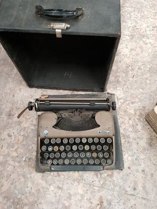 Maquina de escribir antigua para restaurar