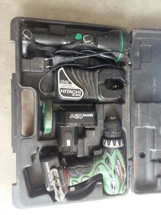 máquina de taladrar o atornillar