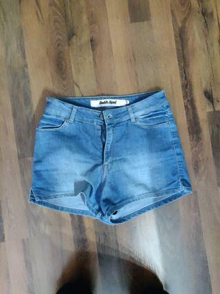 pantalón corto double agent
