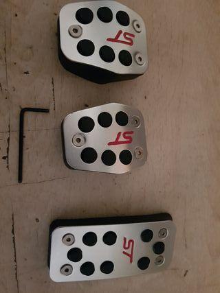 cubre pedales