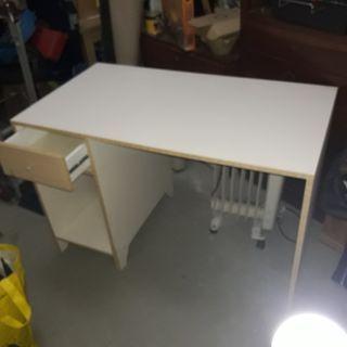 taula oficina + sillo rotatori