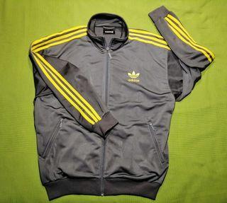 Chaqueta Adidas. TL. Hombre