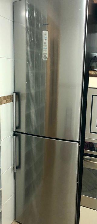 Frigori Siemens no frost antihuellas combi