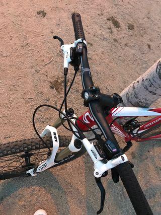 """Bici btt Cannondale en 26"""" perfecto estado"""
