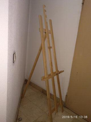 Caballete de pintura de madera