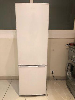Nevera frigorífica con congelador (JOCEL)