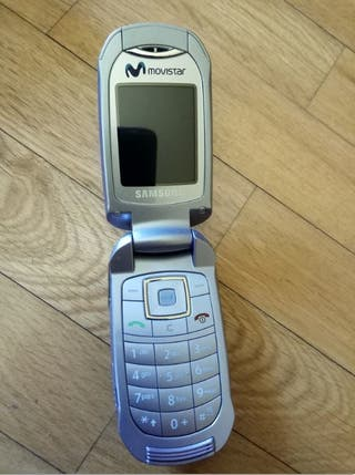 Móvil vintage Samsung SGH E570 prácticamente nuevo