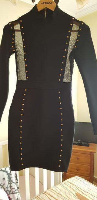 vestido negro con lentejuelas es un vestido bandag