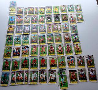 Lote de cromos antiguos de fútbol.
