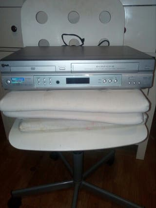 REPRODUCTOR DVD/ VHS