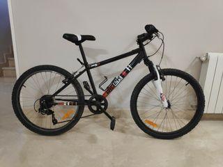 Bicicleta de Decathlon tamaño mediano para niños