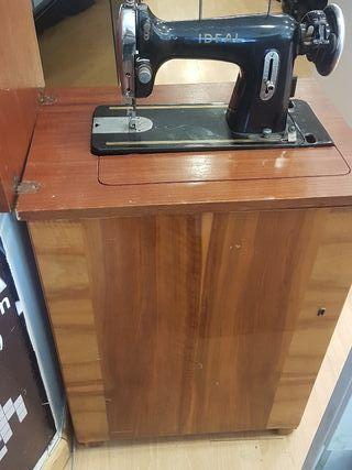 máquina de coser completa, marca Ideal color negro