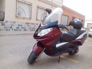 Moto peugeot 125 con compresor