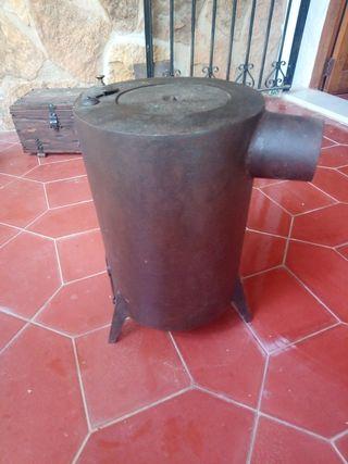 estufa de hierro para carbón antigua