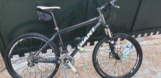 GIANT bicicleta.