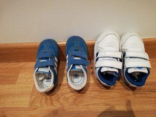 zapatillas de deporte infantiles Adidas, número 22