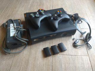 Xbox 360 + 2 mandos + Casco con micrófono