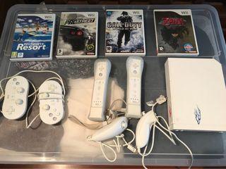 Consola Nintendo Wii con mandos y 4 juegos