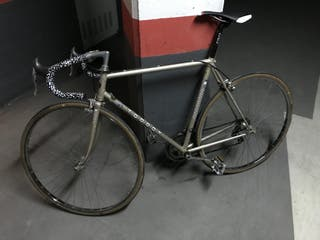 Bicicleta de carretera clásica TORROT