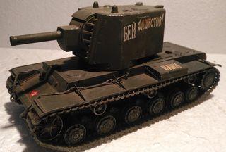 TANQUE RUSO KV-2 pesado 1/35 montado y pintado con