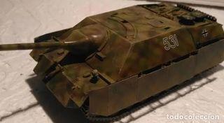 Tanque alemán StuG IV 1/35 Montado y pintado con d