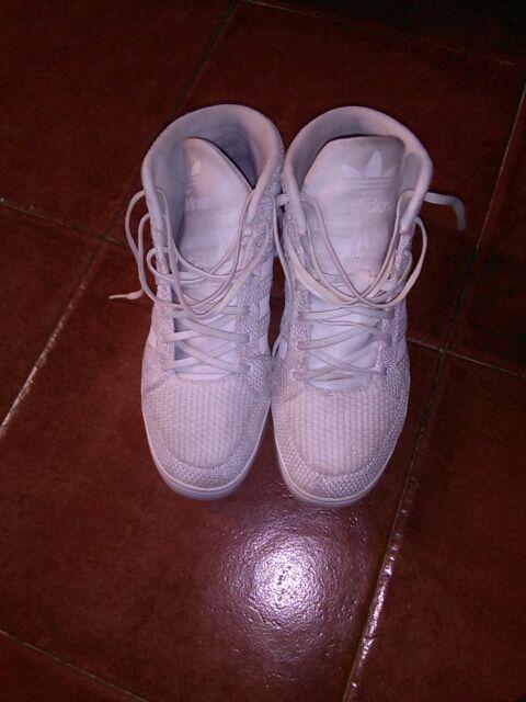 Zapatillas de basket marca Adidas originales