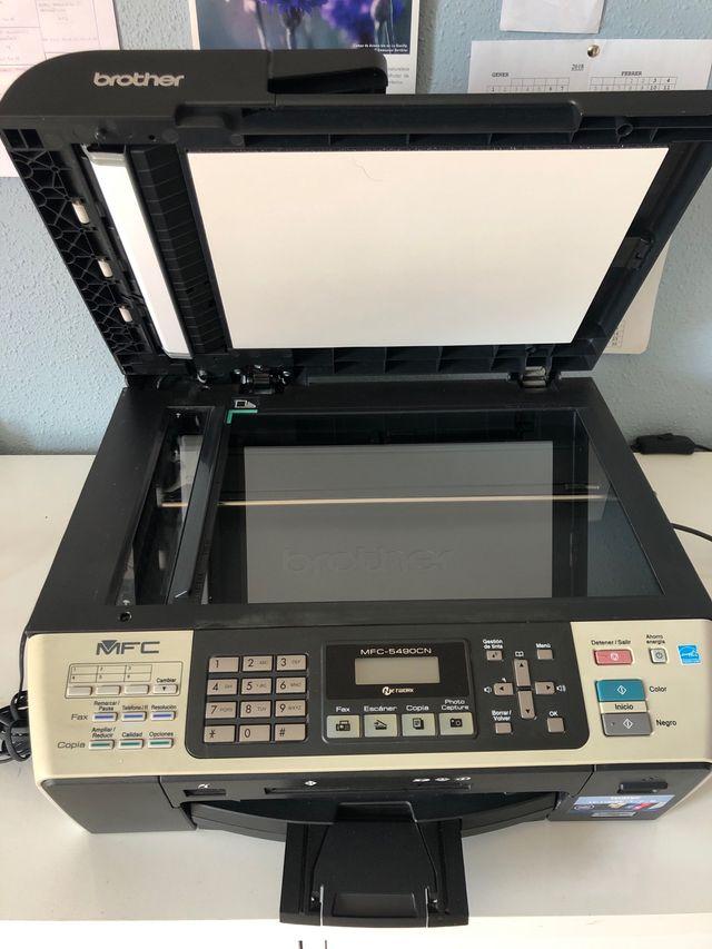 Impresora Brother MFC-590CN