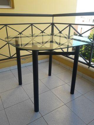 Mesa y sillas de caño