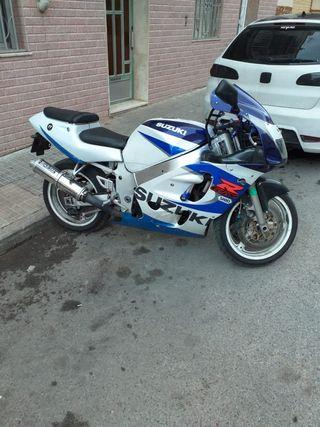 Suzuki gsx r 600cc