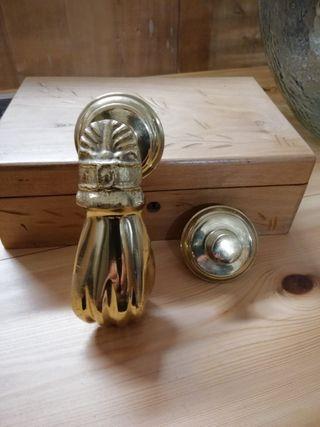 Precioso pomo de laton antiguo para puerta