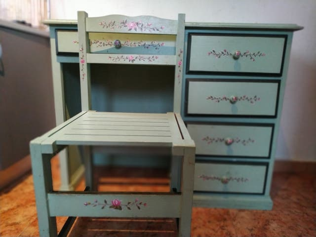 escritorio + silla de madera vintage
