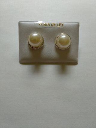 3f6ea33464eb Pendientes perlas de segunda mano en la provincia de Córdoba en WALLAPOP