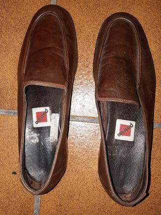 zapato de piel marrón n-38