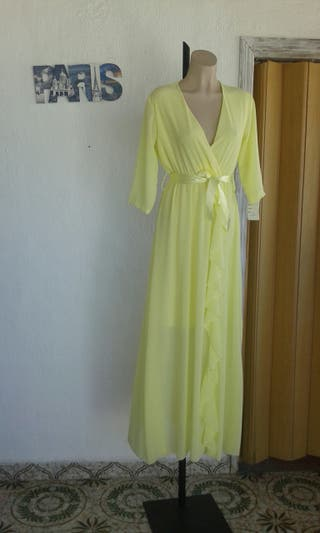 Vestido amarillo limón.