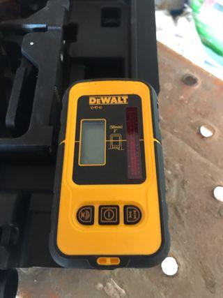 Láser autonivelante dewalt + detector de lineas +s