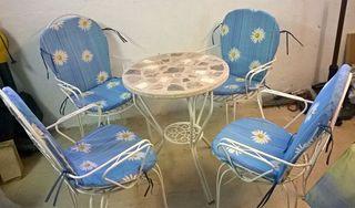 Chollo! Mesa forja piedra + 4 sillas!