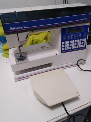 Máquina de coser HUSQVARNA 400 COMPUTER.