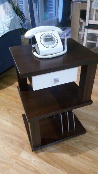 mesa de telefono con el telefono incorporado