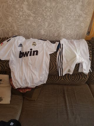 culotte y maillot real Madrid xl